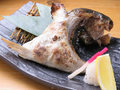 料理メニュー写真オリーブハマチのカマ塩焼き