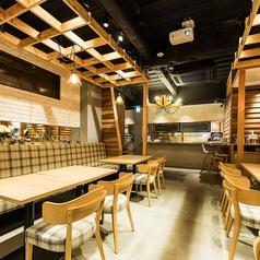 カフェ ダイニング アオアクア cafe dining AOAKUAの雰囲気1