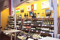 本場のワイン300種類を楽しめる