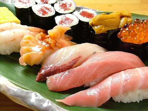 新年会に◎美味しいお酒と市場直送の鮮魚をご堪能下さい。HP限定サービスあり!