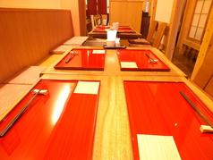 プライベート使いしやすいテーブル席!2~8名様までご利用いただけます。お昼にも夜のお食事にもおすすめです。