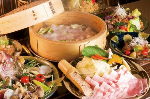 和洋折衷のオシャレな空間で有機・無農薬野菜を使ったヘルシーな料理が味わえる♪
