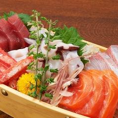 料理メニュー写真【旬魚の舟盛り】5点盛り(3~4人前)