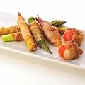 料理メニュー写真夏野菜の豚バラ巻き