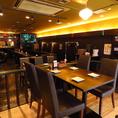 【窓際テーブル席】10名程~こちらのお席の空間貸切可能!少人数で雰囲気の良い空間で美味しい料理とお酒をお楽しみいただけます♪