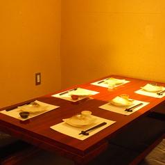 【少人数のテーブル個室】2~4名様まで!広々とご利用いただけるテーブル席★シンプルながらも洗練されたこだわり空間です!