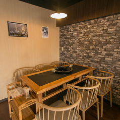テーブル6名席が2テーブルございます★(※ただし、テーブル利用卓数分、火鍋を頼んで頂きます☆)