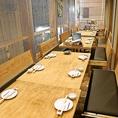 4名様~、6名様~、8名様~と3つのタイプのテーブルのお席ご用意いたします。テーブルを繋げて、最大22名様の団体様もご利用できます。