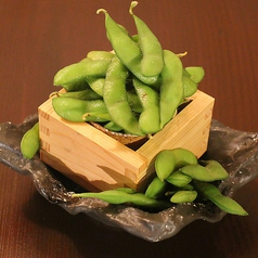 【名物】茹でるよりも超絶美味しい!!~ごま油香る~焼き枝豆こぼれ盛り