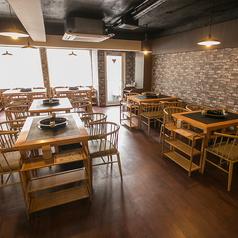 テーブル4名席が6テーブルございます★(※ただし、テーブル利用卓数分、火鍋を頼んで頂きます☆)