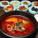 からし亭伝統の辛口スープ。大人気のユッケジャン!