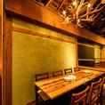 1階テーブル席は4名様~8名様まで。2階テーブル席は3名様~最大32名様まで利用可能!木目調の寛ぎの店内で仲間たちと心地よい時間をお楽しみください。