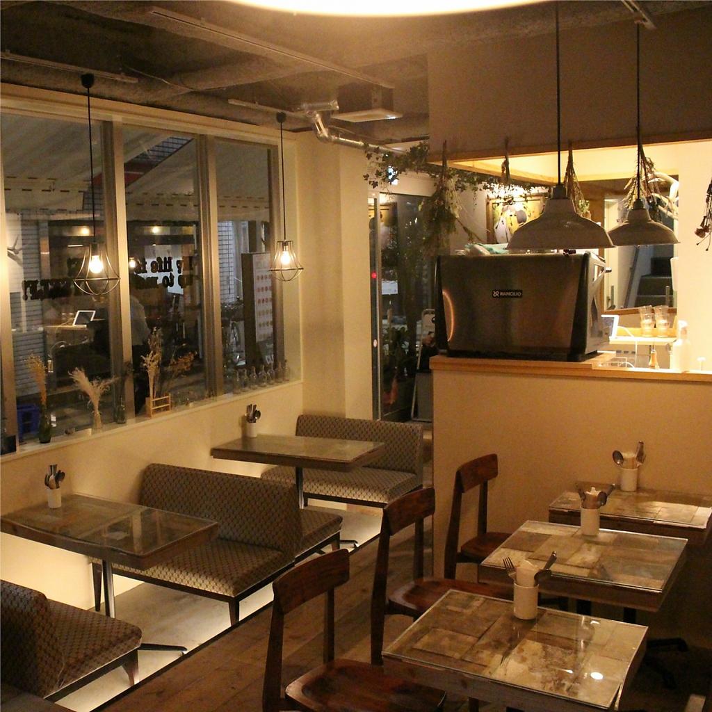 クラフトビール&スイーツバル モニカ&アドリアーノ|店舗イメージ4