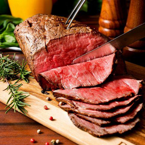溢れる肉汁と香ばしい匂いが食欲をそそる、バンビーナの自家製ローストビーフ♪ずっしり食べ応え抜群◎食べ放題はなんと⇒1299円!!その他にも、お肉の弾力・旨みを引き出したシェフ特製肉バルメニューを多数ご用意!美味しいお肉を食べるなら、ぜひバンビーナへ♪