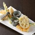 料理メニュー写真季節野菜の天ぷら盛り合わせ