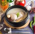 料理メニュー写真1/2ハーフサイズサムゲタン(参鶏湯)