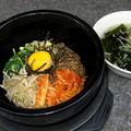 料理メニュー写真石焼ビビンバ(スープ付)(写真)