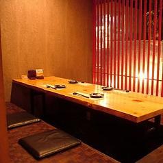 デザイナーが手がけた店内は、少しずつデザインの違う完全個室が多数ございます!
