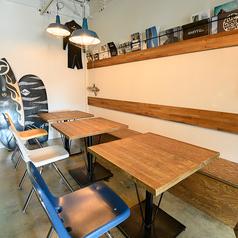 2名様席を3卓ご用意しております。6~10名様までご利用いただけるので、小~中規模のご宴会にもオススメです☆