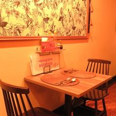 カスタマイズ可能なテーブル席!女子会・デートにおススメ♪