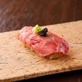 ★「黒シャリ」の魅力★【1】寿司を食べながら肉と野菜が食べれる【2】肉と野菜を一緒に食べるので相性が抜群です【3】肉を食べた分野菜も取れるので健康的な他には無い料理長のこだわり黒シャリの組み合わせ