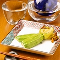 料理メニュー写真【ある日の献立一例】花ズッキーニの湯通し