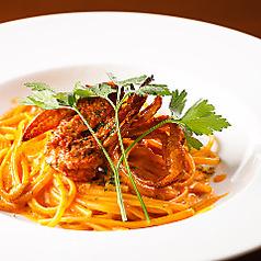 料理メニュー写真魚介いっぱいのジュノベーゼ/ワタリ蟹のトマトクリームパスタ