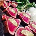 料理メニュー写真カツオの潮タタキ