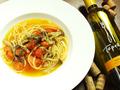 料理メニュー写真ベーコンとフレッシュトマトのペペロンチーノ