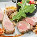 料理メニュー写真骨付き仔羊ロース肉のロースト オリーブのソース