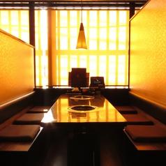 広々テーブル席はお食事にも宴会にも使えます♪