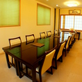 テーブルをつなげると12名様まで座れます。完全個室なので、会食やランチ会にもお使い頂けます。