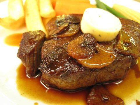 浅草駅の雷門近く♪下町の昔懐かし賑やかな美味しすぎる洋食屋です!