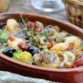 料理メニュー写真海の幸とドライトマトのアヒージョ