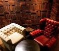 アンティークソファ席。座り心地もよく、ゆっくりできるお席です。