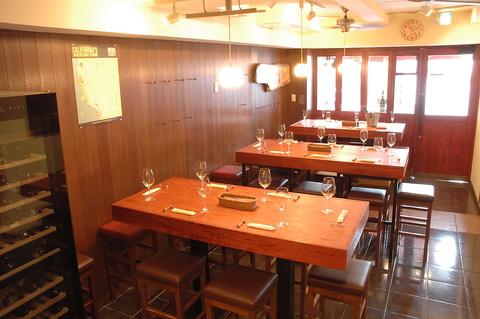 美味しいワインをリーズナブルに!ワインに合わせたお料理とともに楽しめる店です。