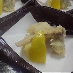 【旬の御料理】 揚げ松茸 鱧磯部揚げ 海老香り揚げ 檸檬 紅葉塩 卸し生姜 美味出し汁