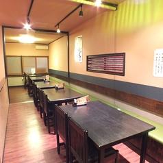 広々した2階席でゆったりとお食事をお愉しみ頂ける空間となっております。年中美味しい職人の料理を是非ご堪能ください。
