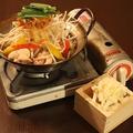 料理メニュー写真名物 鶏キムチーズ小鍋 (2人前より)