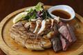 料理メニュー写真贅沢!肉盛り3種
