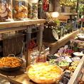 当店自慢の有機野菜をたっぷり使用したバラエティ豊かなサラダバーをご用意しております!特製のドレッシングとの相性もバッチリです◎新鮮でヘルシーなので女子会やお子様連れの方にも最適!