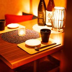 静かさ、煌びやかさ、優美さも感じさせる和の空間。快適さだけでなく、清潔感を損なわず、ご接待やご会食の席にも大変ご好評頂いております。日本建築の本来の魅力を余すことなく表現しながらも、現代風にカジュアルにアレンジされたお席は各種ご宴会に幅広くご活用頂けます。ご予約方法はお電話、ネットから!