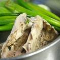 天草大王の鶏ガラを丁寧にダシを取った自慢のスープ!!奏宴の基本の料理ベースになってます!!
