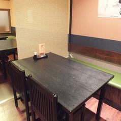 新しい店内は落ち着く雰囲気でお食事が楽しめる。シーンに合わせて仕切りも使用できます。