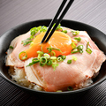 料理メニュー写真ローストポーク丼