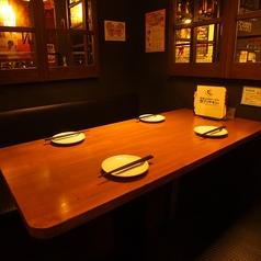 ■女子会向け■3~6名様向けテーブル席!嬉しいコンセント付き♪