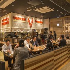 肉焼 ベンジャミン 博多 駅から三百歩横丁店の雰囲気1