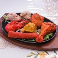 サイドメニューも充実!インド・ネパール伝統のお料理♪