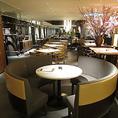 大人気のランチは和食、洋食の【フルブッフェ】スタイルでご用意。ショーキッチンからライブ感溢れる料理もお楽しみいただけます★