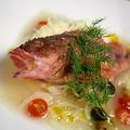 料理メニュー写真まるごと鯛のアクアパッツア